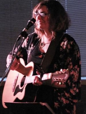 Emilie Lebel au Cabaret du mois de mai.