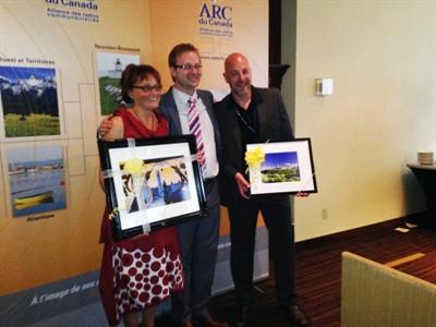 L'ARC du Canada a souligné le travail de 3 personnes terminant leurs mandats au C.A. : la présidente sortante, Michèle Leblanc, Michel Gravel, secrétaire, et Serge Parent, 1er vice-président et président du comité des radios en ondes.