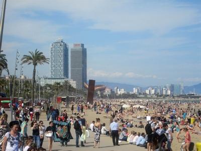 La Barceloneta envahie par les touristes