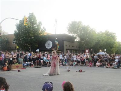 Artistes de rue durant le  Festival Fringe
