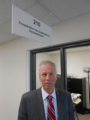 Le député libéral, Stéphane Dion, aux bureaux de l'Eau vive.