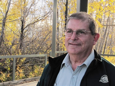 Descendant d'un des combattants de Batoche, Ronald Jobin considère qu'il a le « plus bel emploi du monde » au Lieu historique national de Batoche ».