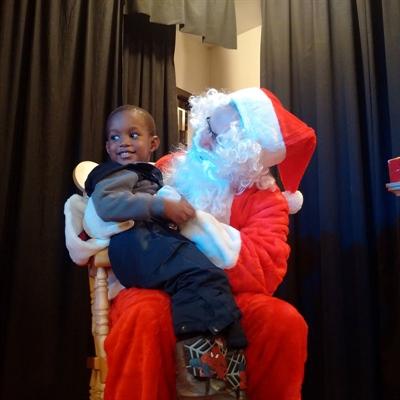 Les enfants ont aimé rencontrer le Père Noël en personne.
