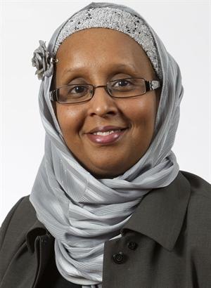 Roukya Abdi Aden, gestionnaire de concertation nationale au Réseau de développement et d'employabilité (RDÉE) Canada