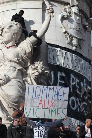 Manifestation à Paris, Place de la République, en soutien à Charlie Hebdo
