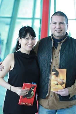 Dawn Dumont et Randy Lundy lors d'une lecture à la First Nations University à Regina.