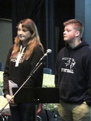 Kathleen Carter et Samuel Jean, coprésidents du comité d'élèves de l'École canadienne-française de Saskatoon
