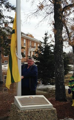 Levée du drapeau à Gravelbourg