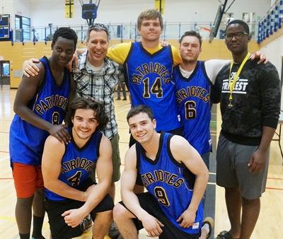 L'équipe des anciens élèves de l'ÉCF