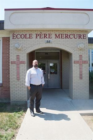 Miles Muri, directeur de deux écoles du Conseil des écoles fransaskoises