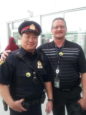 Les officiers David Gee et Keith Salzl, Police de Saskatoon