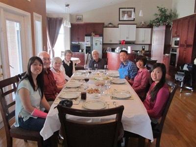 La famille Chan chez Paul et Lilianne Leray