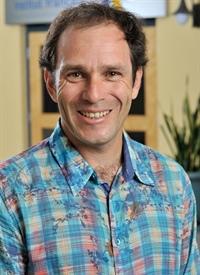 Frédéric Dupré<br>Éducateur, 43 ans <br>(Regina)