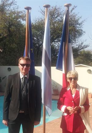 M. Antoine Courroy, Directeur de l'Alliance Française au Botswana et Son Excellence Mme Anne de la Blache, Ambassadrice de France au Botswana