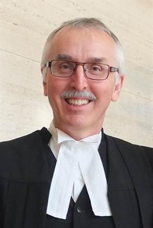 L'avocat Roger Lepage de Regina