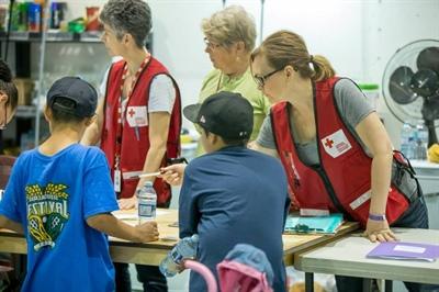 De nombreux bénévoles de la Croix-Rouge canadienne sont venus en aide aux évacués des feux de forêt en Saskatchewan