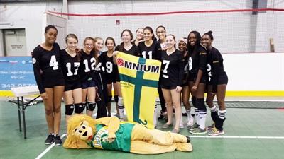 L'équipe de Mgr de Laval, gagnante dans la catégorie compétitif filles secondaire