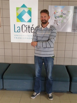 Kenneth Bos, instructeur et responsable de l'éducation permanente à la Cité universitaire francophone de l'Université de Regina