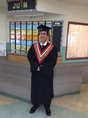 Graduation de Bao Tuong An Chau, l'unique finissant de l'École Valois en 2016