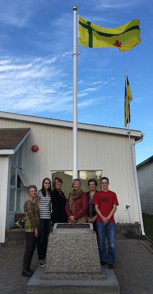 Levée officielle du drapeau fransaskois à Debden le 30 septembre 2016