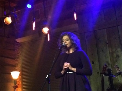 """Alexis NOrmand au spectacle-lancement """"On est pas des cowgirls"""" à Saskatoon le 29 octobre 2016"""