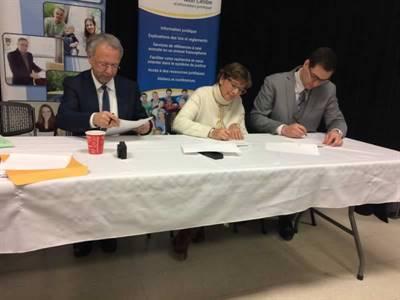 Signature d'une entente entre la Faculté de droit de l'Université de Moncton et la communauté fransaskoise