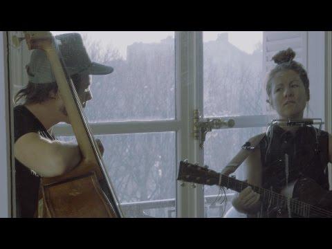 Vidéo - Saratoga : Je t'attends dehors