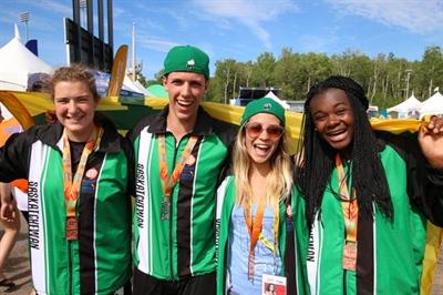 Les quatre premiers médaillés de la Saskatchewan. De gauche à droite: Nicole Kramchinsky, Xavier Labelle, Samantha Monette et Malika Yoh.