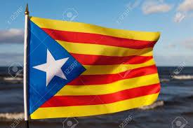 L'estelada, drapeau indépendantiste catalan.