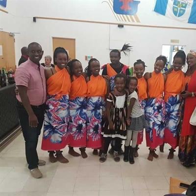 Le groupe de danseurs Inyange qui a présenté des numéros de dansedu Burundi.