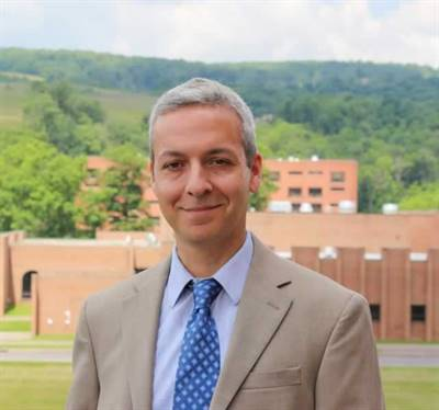 Richard A. Russo, professeur de géographie sociale à l'Université d'État Frostburg, au Maryland