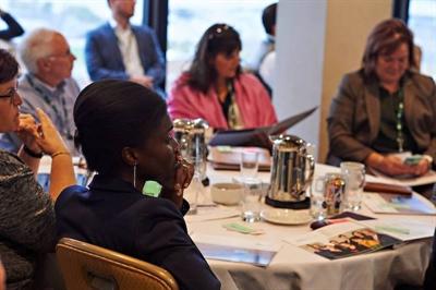 Le succès des organismes en santé dépend aussi de l'approche unique de Santé Canada, qui a créé le Bureau d'appui pour les langues officielles en milieu minoritaire.
