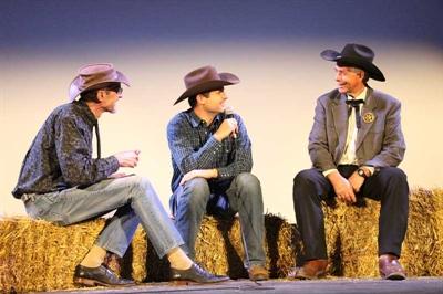 Une discussion avec le public après la projection du documentaire Cowboy urbain de Unis-TV