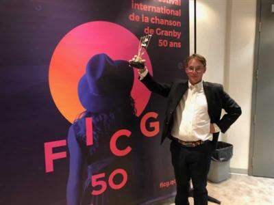 Byrun le soir de sa victoire au Festival international de la chanson de Granby