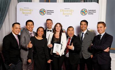 Jerry's Emporium, de Saskatoon, récompensé pour son intégration des immigrants