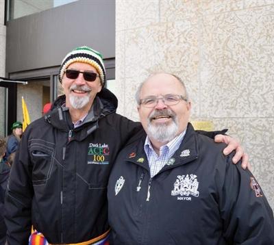 Michel Dubé et le maire de Prince Albert, Greg Dionne