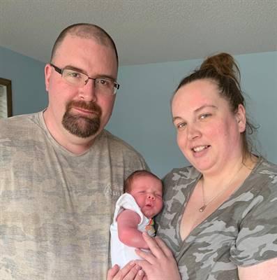 Denis et Kathy Simard et leur petite Roux