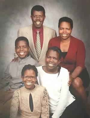 La famille Niyongere de Saskatoon