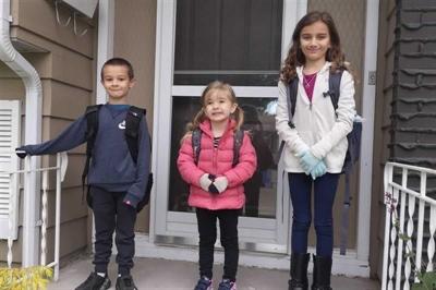 Les enfants de Valérie Williams : Annabelle, en prématernelle, Tyler en 1ère année et Geneviève en 3e année
